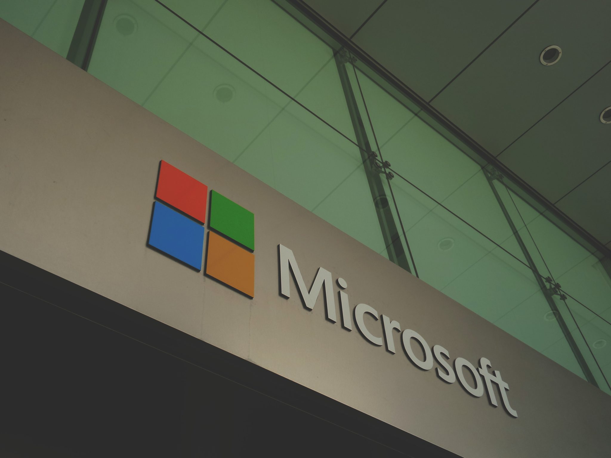 Standard Chartered Ties Up with Microsoft